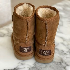 UGG boots tall toddler 8